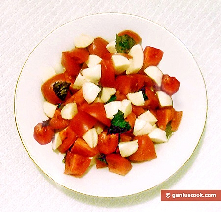 Ready Caprese Salad