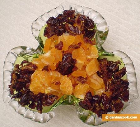 Фруктовый салат с финиками