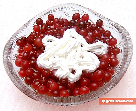 Ready Cranberry Dessert with Honey