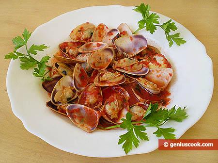 Tellina in Tomato Sauce