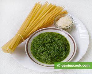 Bavetti Pasta, Salt, Pesto Genovese Sauce