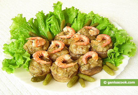 Champignons Stuffed with Shrimp Sauce