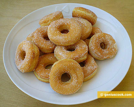 Dohnuts with Sugar Powder