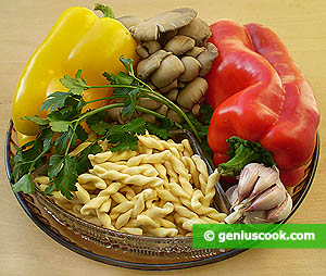 Ingredients for Oyster Mushrooms with Sweet Pepper and Fusilli