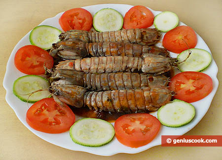 Simmered Mantis Shrimp in Red Wine Sauce