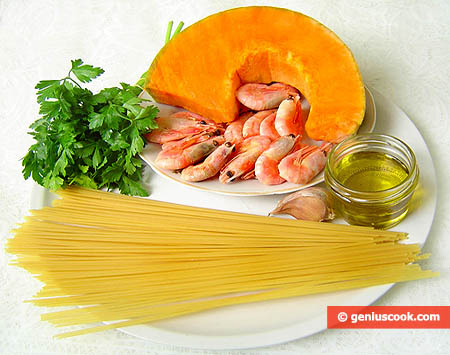 Ingredients for Spaghetti with Pumpkin and Shrimp Sauce