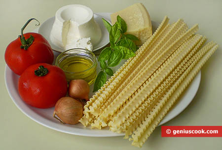 Ingredients for Italian Pasta Mafalde with Tomatoes and Ricotta