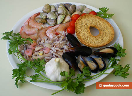 Ingredients for Mollusk and Shrimp Soup