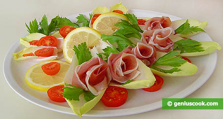 Appetizer with Endive and Prosciutto Ham