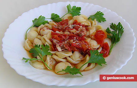 Italian Pasta with Fish and Shrimps Sauce