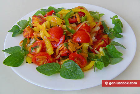 The Cherry Tomatoes Salad with Sweet Pepper