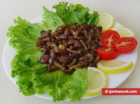 Fried Honey Mushrooms with Garlic