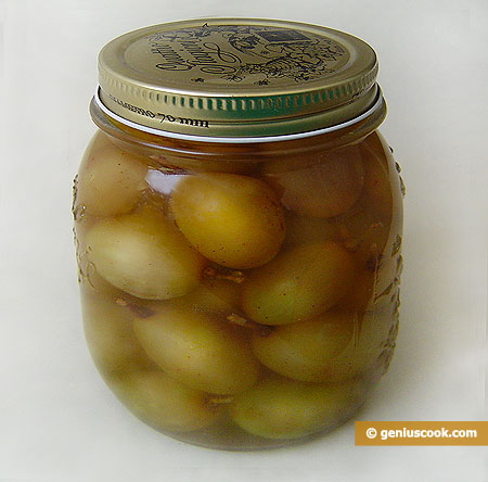 Grapes Preserved in Alcohol