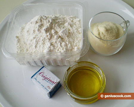 Ingredients for Homemade Bread with Semolina