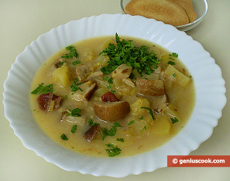 Cheese Soup with White Mushrooms