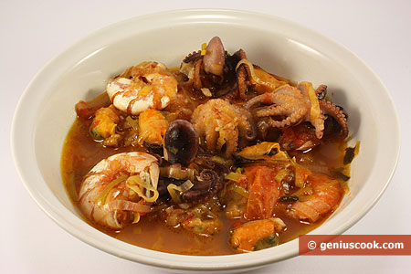 Soup from Octopuses, Shrimps, Mussels and Leek