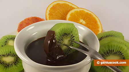 Chocolate Fondue with Honey and Cognac