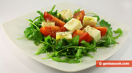 Salad with Arugula, Mozzarella and Tomatoes