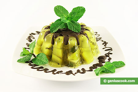 Jelly with Kiwi Fruit and Mint