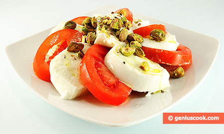 Mozzarella with Pistachios and Tomatoes
