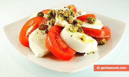 Mozzarella with Pistachios and Tomatoes