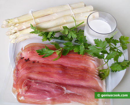 Ingredients for White Asparagus with Ham and Cream