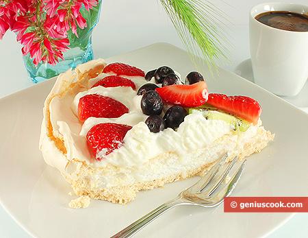 Pavlova Cake, piece