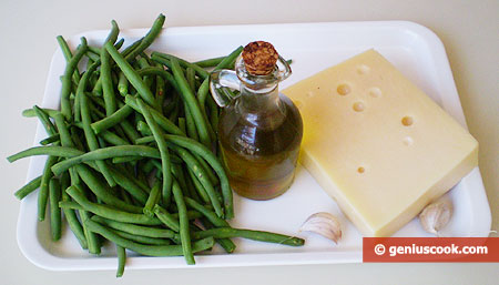 Ingredients for Salad with Runner Beans and Cheese