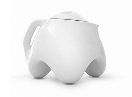 A Tripod Teapot