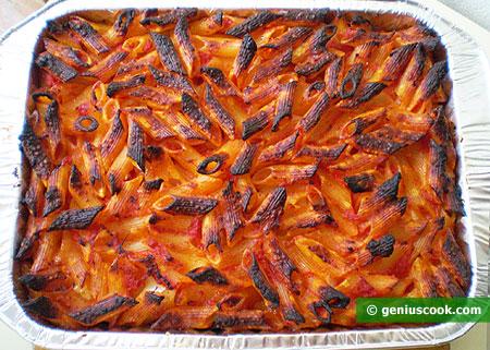 macaroni gratin in baking tray