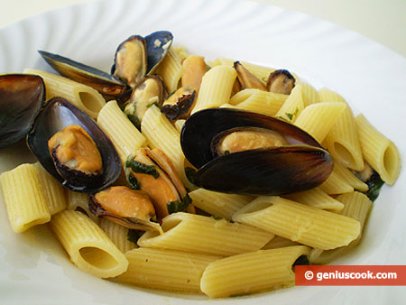 Pasta with Mussels and Ginger