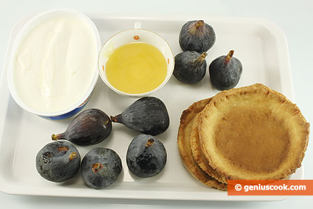 Ingredients for Baskets with Fig and Cheese