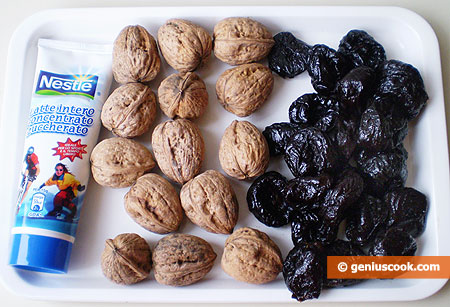 Ingredients for Dried Plums with Nuts
