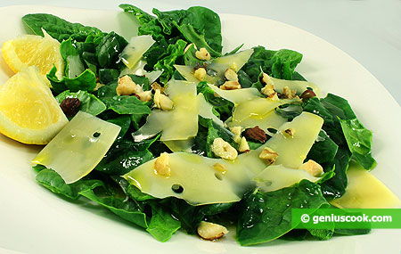 Spinach Salad with Nuts and Cheese