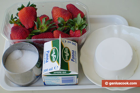 Ingredients for Butter Cream with Strawberry