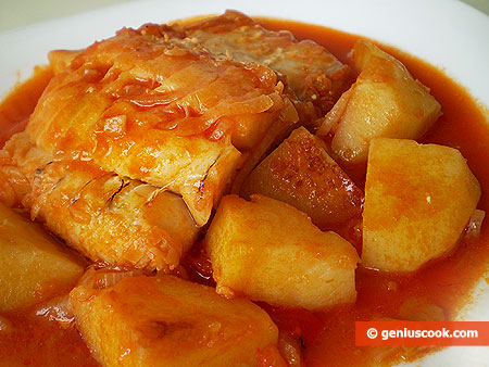 Cod and Potatoes Stewed in Tomato Sauce
