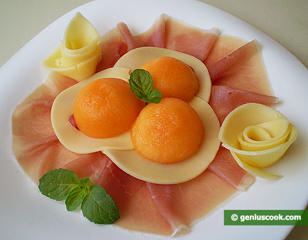 Appetizer from Ham, Cheese and Melon