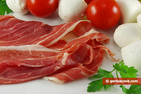 Good sources of vitamin B12 are meat