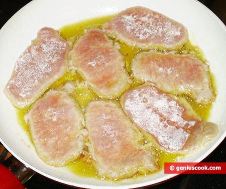 Fry the escalopes on medium heat
