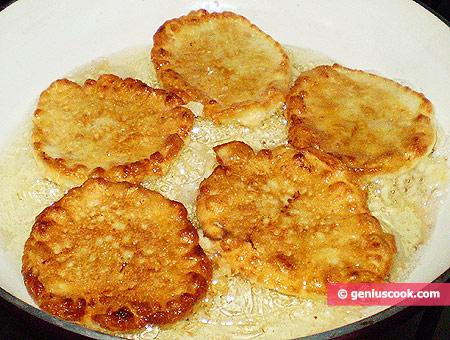 pancakes in frying pan