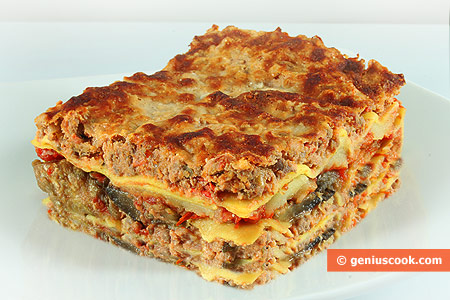 Lasagna with Meat, Cheese and Eggplant