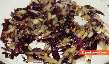 fry cut radicchio leaves