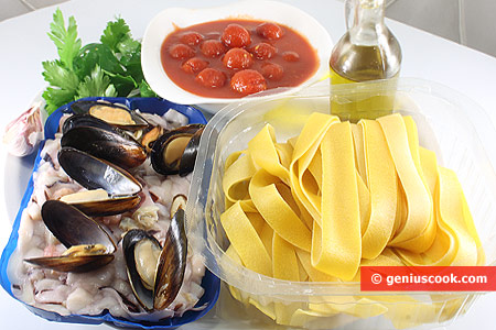 Ingredients for Papardelle with Sea Cocktail