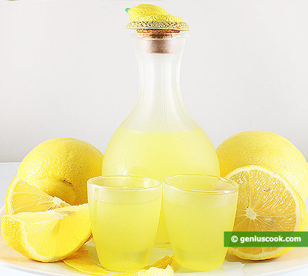 Liqueurs at Home: Limoncello