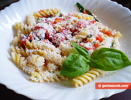 Fusilli with Tomatoes and Ricotta