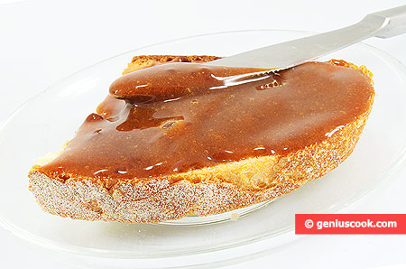 Dulce de Leche and bread