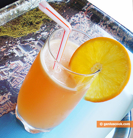Orange Cocktail with Maple Syrup