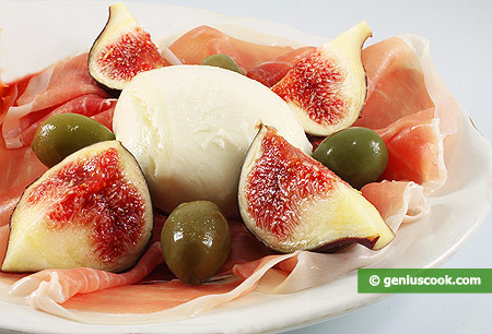 Appetizer with Mozzarella, Ham and Fig