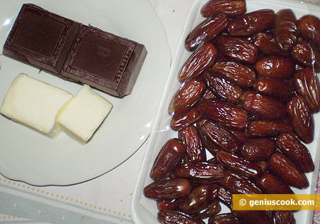 Ingredients for Dates in Chocolate