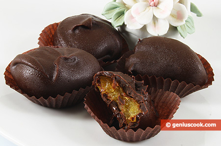 Sweets - Dried Apricot in Chocolate
